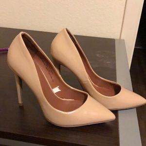 Beige pointed toe heels